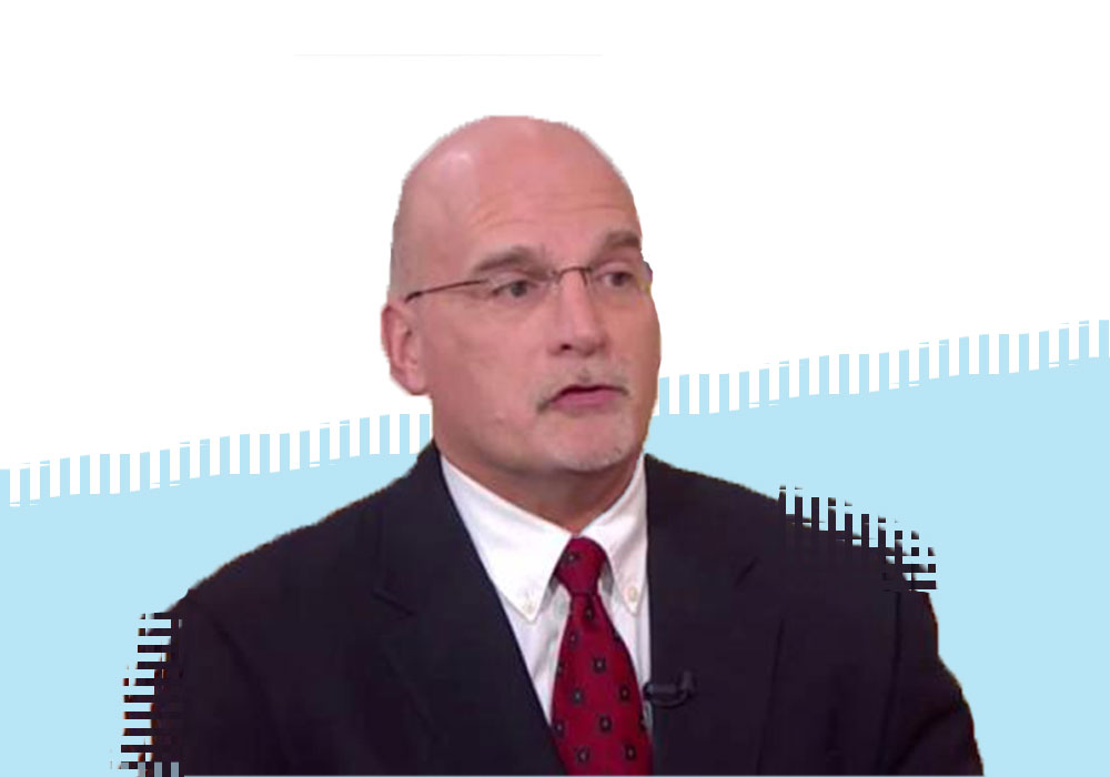аналитик Майк Макглоун из Bloomberg Intelligence